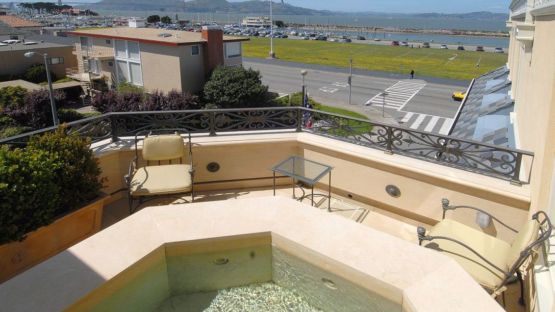 Hot tub of San Francisco Marina remodel viewing the Golden Gate Bridge.